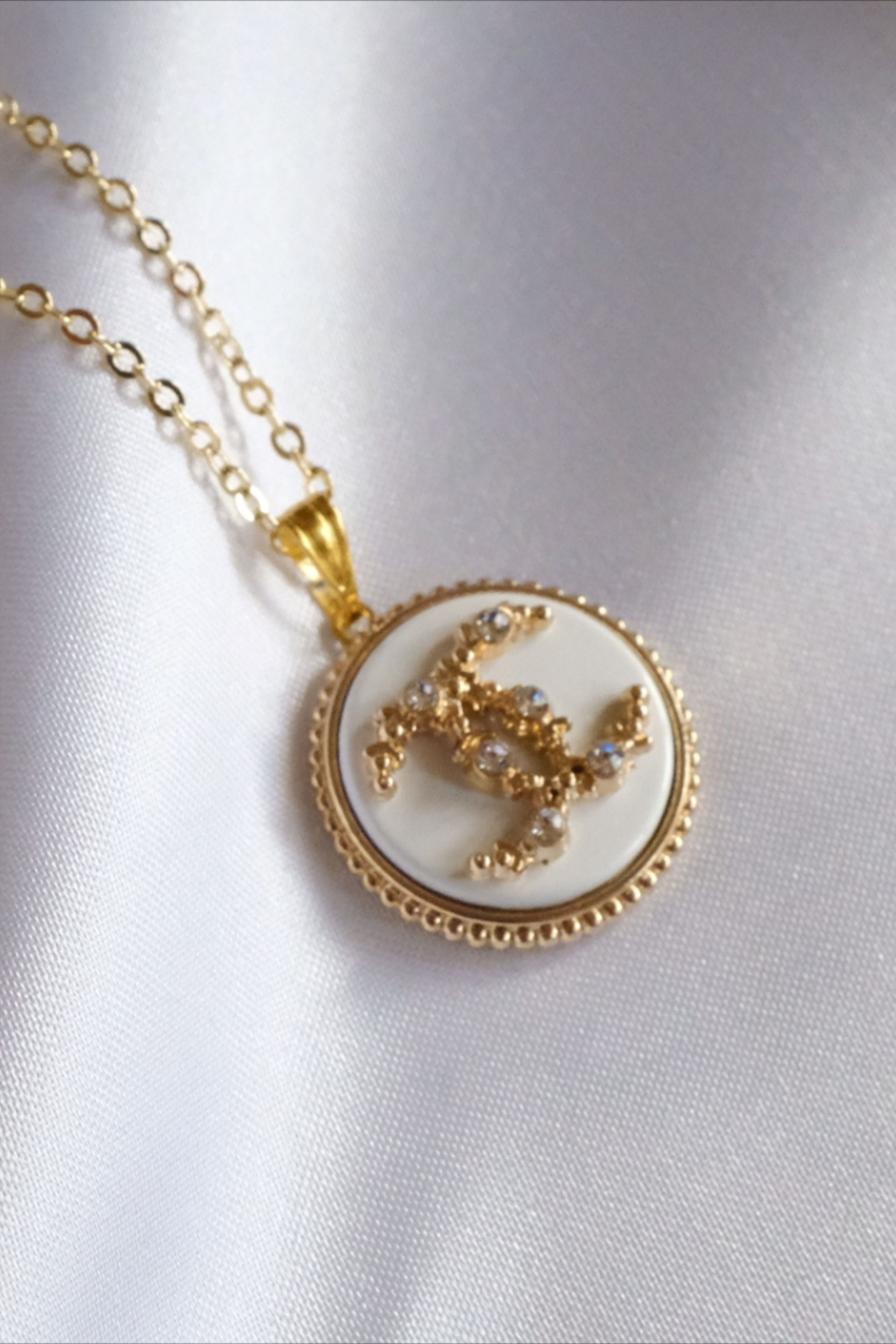 37+ Jewelry made from designer buttons ideas