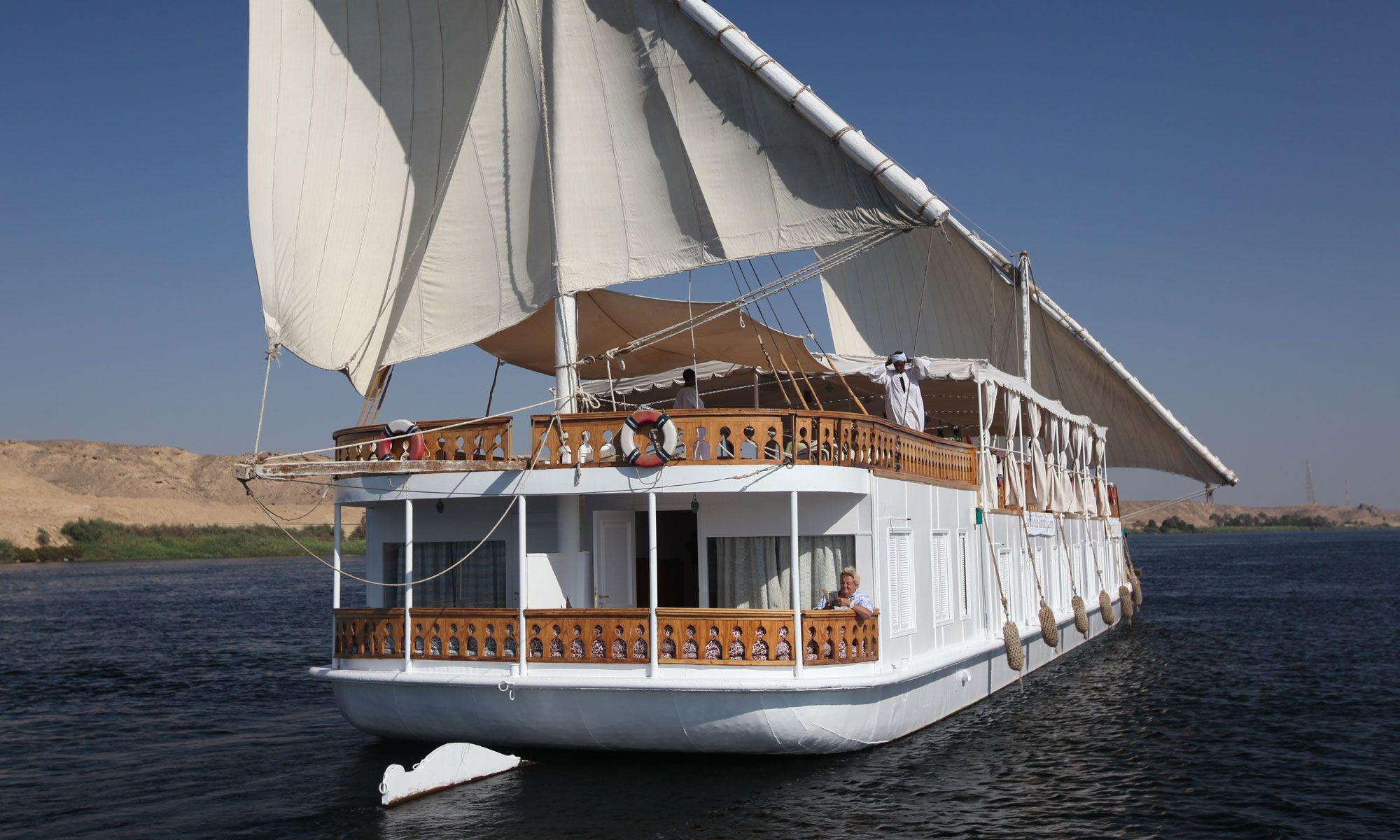 Dahabiya Nile Cruise / https://www.flyingcarpettours.com ...