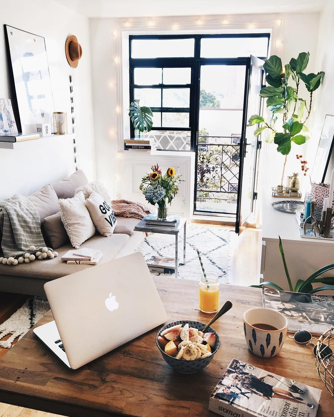 5 Dreamy Feng Shui Tricks For A Small Apartment Add Plants They Bring Calm Vibe And Bit Of Fresh Air Into Your Home