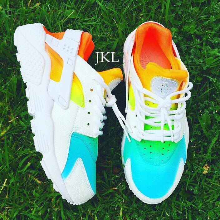 White Summer Huarache ☀️ #jklcustoms #huarache #customised #tiedye #summerhuarache #kicks #sneakers