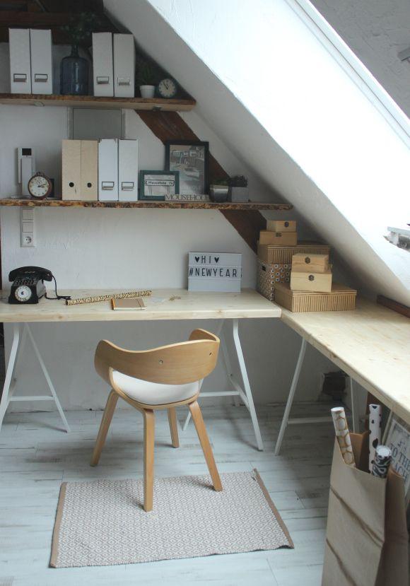 Immer mal wieder… weiter gehts… unsere neue Schreibtischecke in hellem Holz… clean und scandi