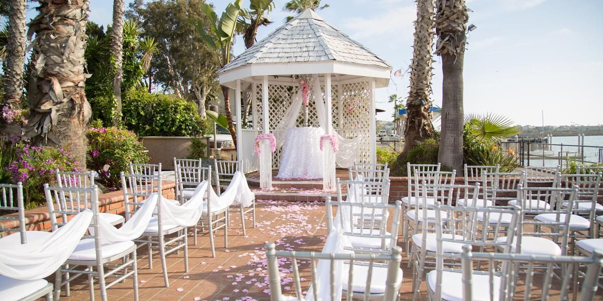 Whiskey Red S Weddings Price Out And Compare Wedding Costs For Ceremony Reception Venues In Marina Del Rey Ca