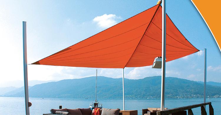Beschattung der Terrasse mit modernem Design und auffälliger Farbe