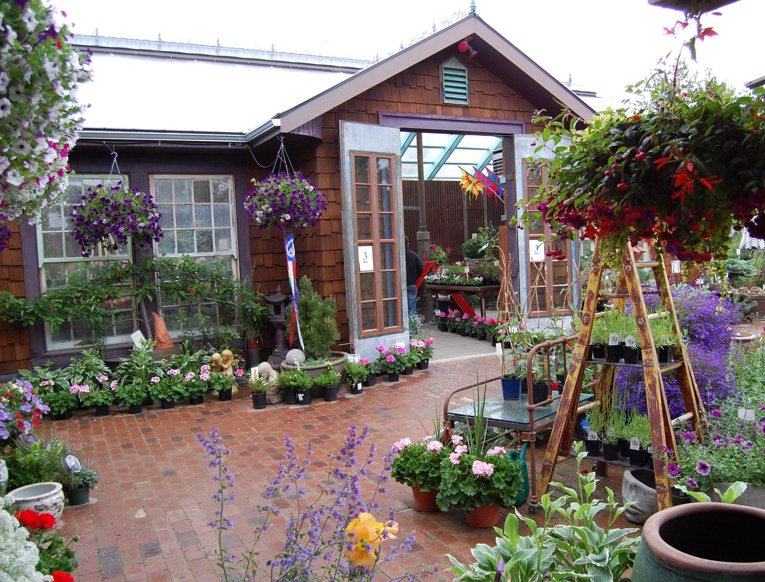 Living In The Garden Pullman Wa Garden Shop Garden Outdoor