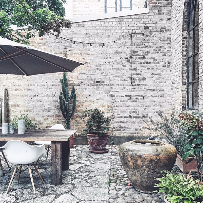   HOME   Lukewarm Night   BACKYARD    #frustilista#jennyhjalmarsonboldsen#home#backyard#lukevarm#windy#green#interior#exterior#