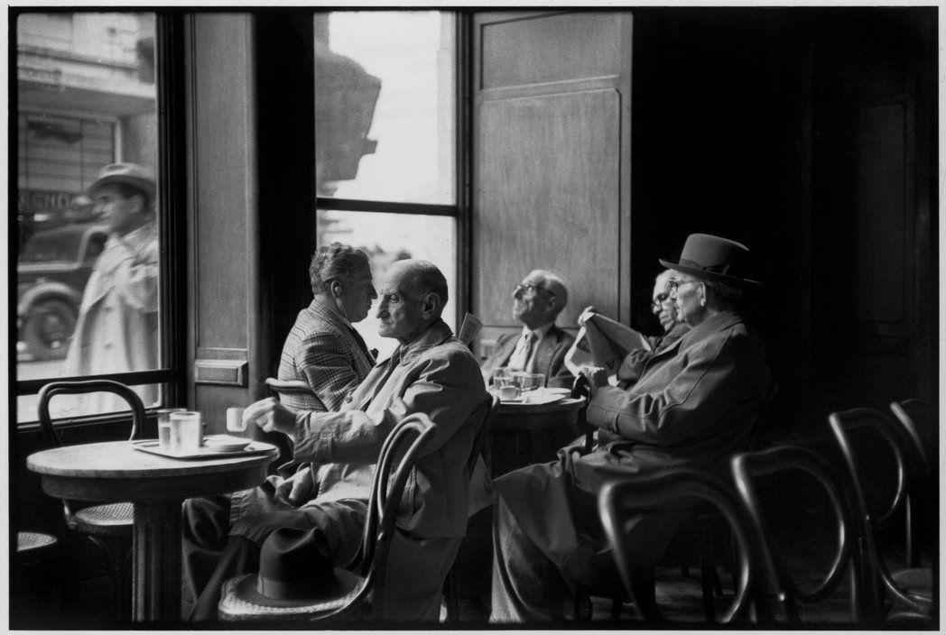 RT: Henri Cartier-Bresson #Athens #Greece (1953) #photography #blackandwhite https://t.co/XhowR8Iy65 via rblue9c #followme #photography