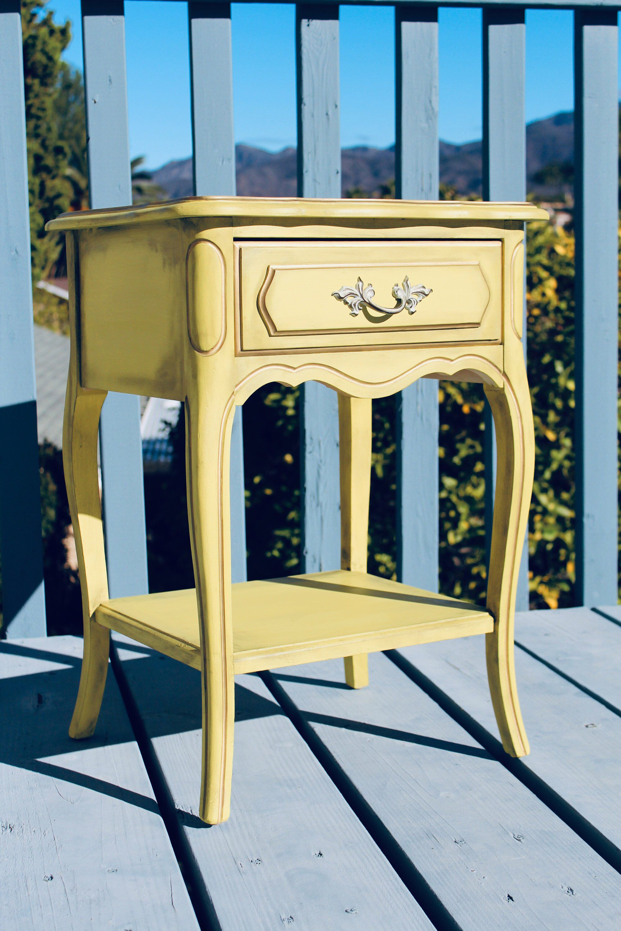 Stupendous Sold Yellow Furniture Vintage French Provincial Nightstand Home Interior And Landscaping Palasignezvosmurscom