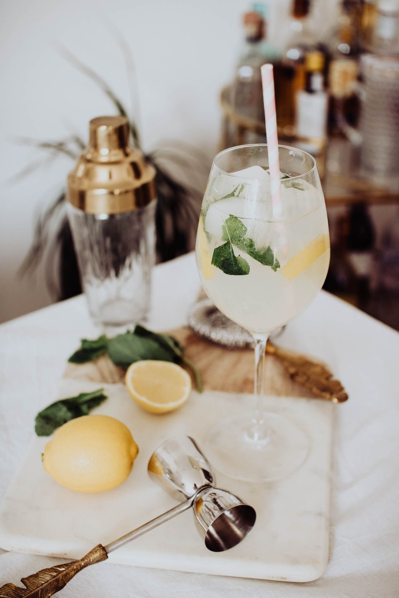 Non Alcoholic Cocktail: Elderflower, lemon and mint spritz
