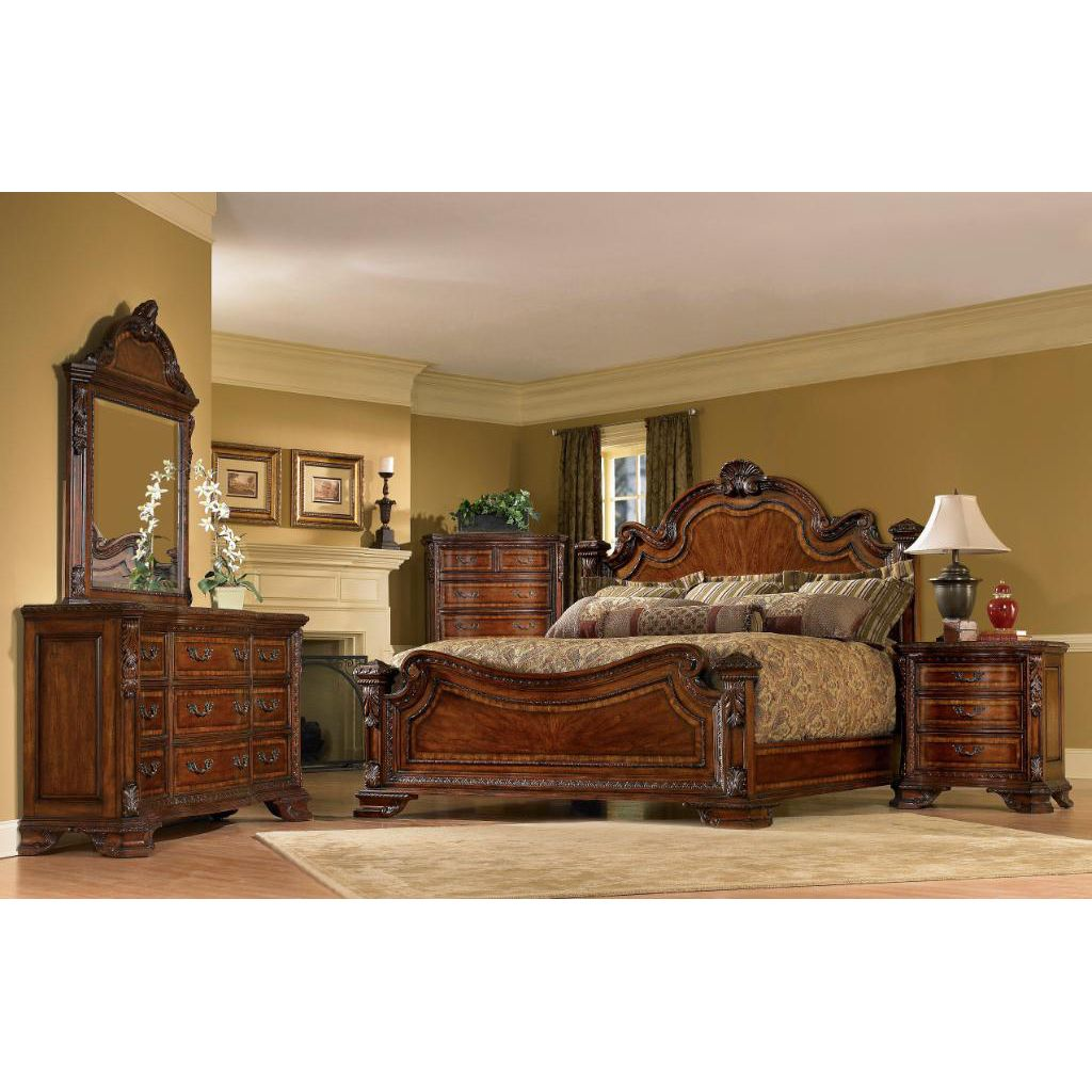 Delightful Queen Size 4 Piece Wood Estate Bedroom Set   Overstock.com Shopping