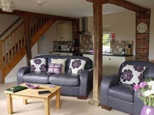 Grange Farm Cottages Salmonby, Horncastle, Lincolnshire (Sleeps 1 - 2), UK, England. Self Catering. Holiday Cottage. Holiday. Travel. Accommodation. Pets Welcome. Wifi. Walking. Cycling.