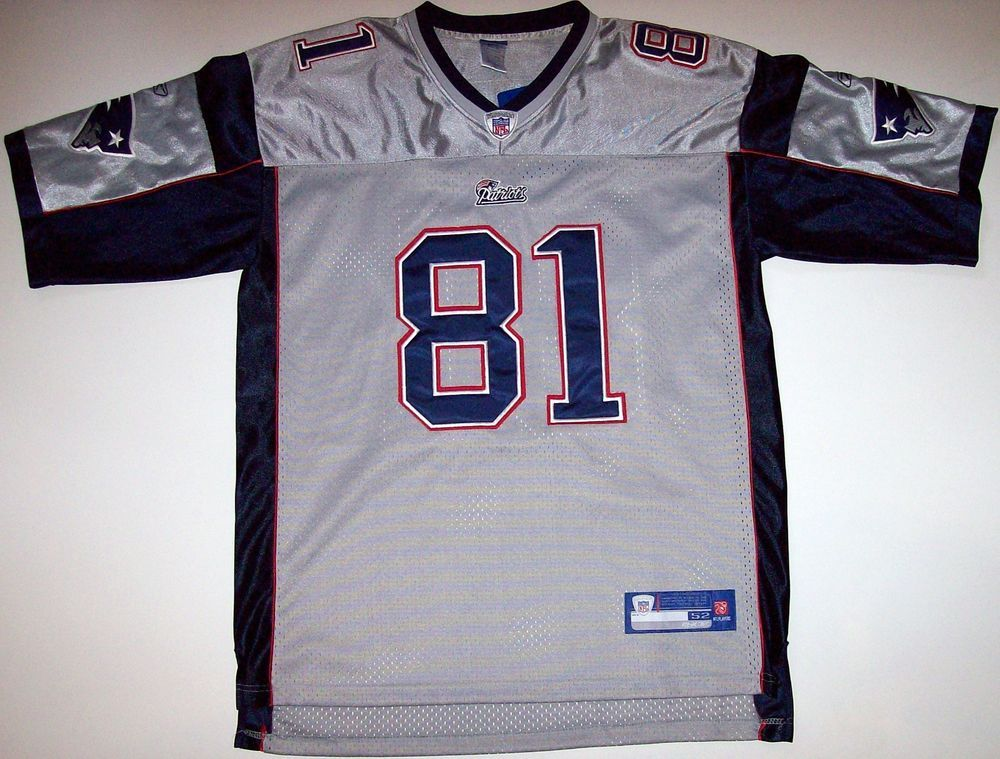 Authentic NFL Reebok New England Patriots Randy Moss Jersey 52 (Hernandez)    81  Reebok  NewEnglandPatriots 989347a1f