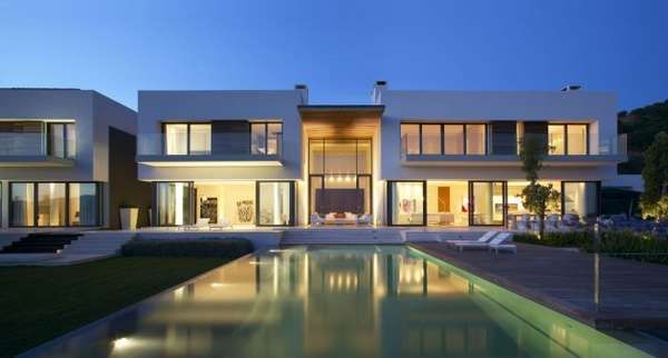 Villa in Andalucia by McLean Quinlan Architects is Spacious #spanisharchitecture #architecture