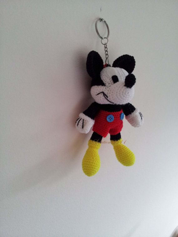 Mickey Mouse Amigurumi Mercadolibre : Mickey Mouse crochet Key Chain/ backpack zipper pull ...