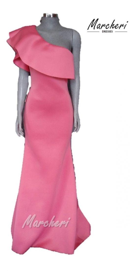 Vestido color rosa a un hombro   Vestidos   Pinterest   Color rosa ...