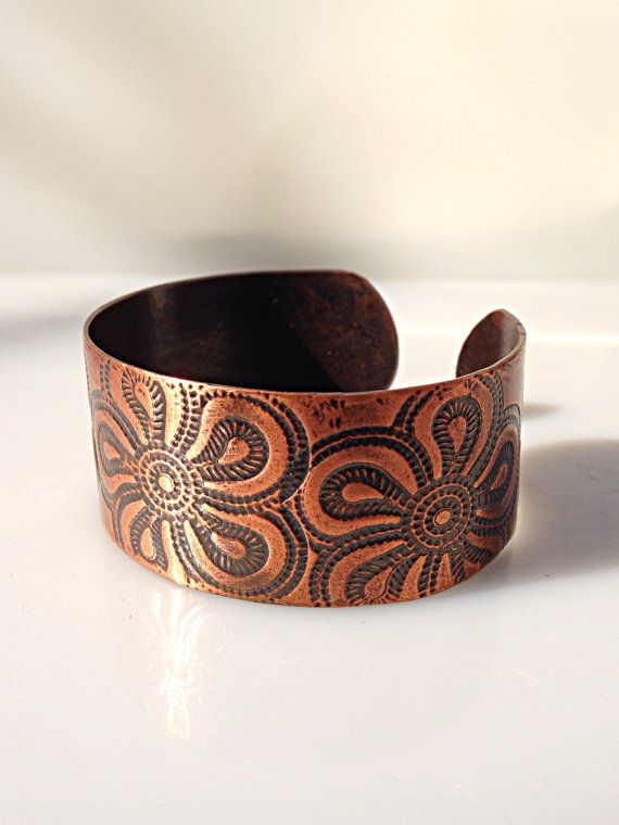 Copper Cuff Bracelet With Flower Texture By Thefillyboutique Metal Art Jewelry Metalwork Jewelry Metal Jewelry