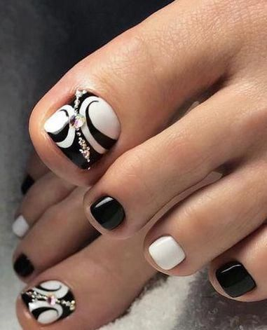 nice black and white toe nail design toenails in 2020