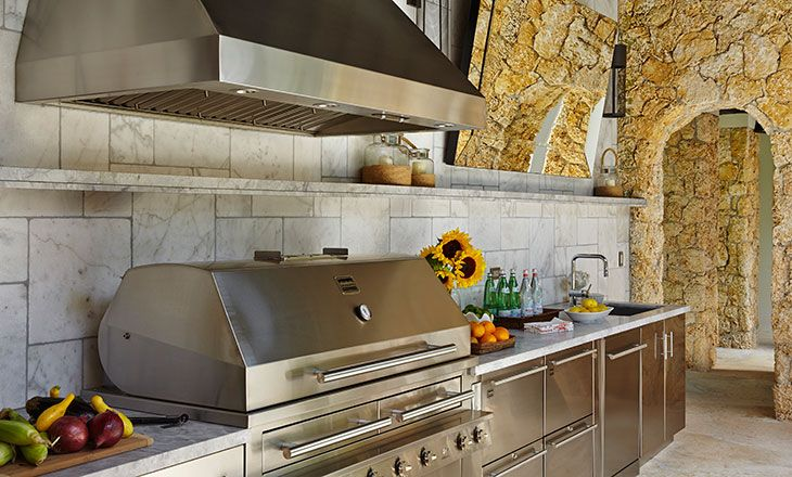 Kalamazoo Outdoor Gourmet Hybrid Fire Grill And Vent Hood Outdoor Kitchen Luxury Outdoor Kitchen Outdoor Kitchen Grill