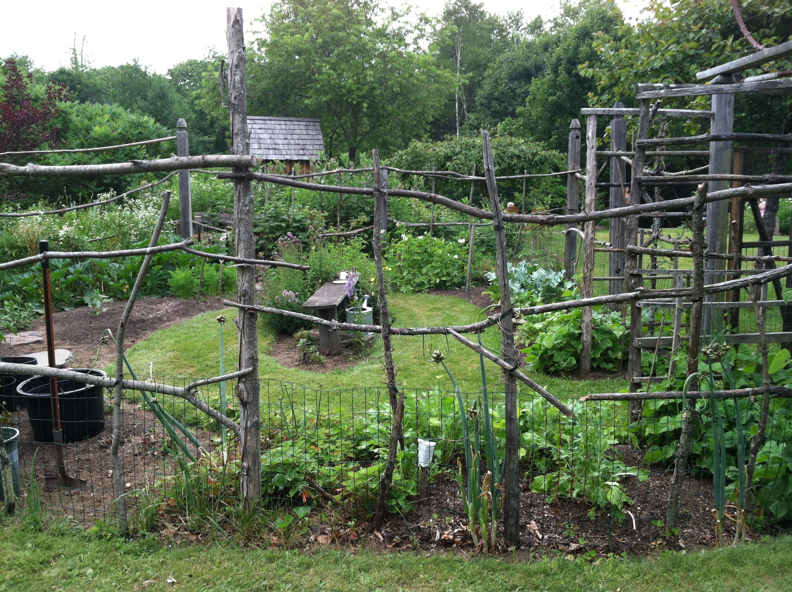 Rustic Fence For Vegetable Garden Cheap Garden Fencing Rustic