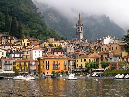 Imagen de http://media-cdn.tripadvisor.com/media/photo-s/01/f4/24/c0/varenna-italy.jpg.