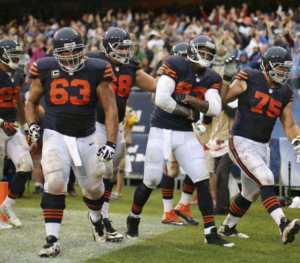 Throwback Thursday Nfl Chicago Bears Chicago Bears Football Helmets