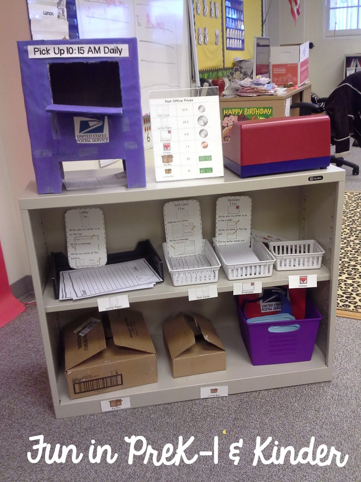 Valentineus dramatic play post office picture display stand from