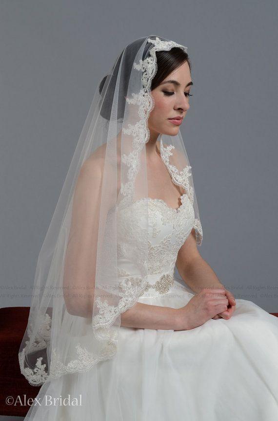 My veil. Mantilla veil bridal veil wedding veil ivory 50x50 fingertip alencon lace