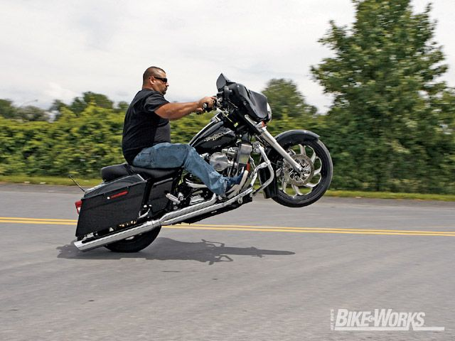 harley glide street davidson wheelie 2006 bikes motorcycles baggers custom wheelies bagger harleys motorcycle trike doing darkness road bike wheely
