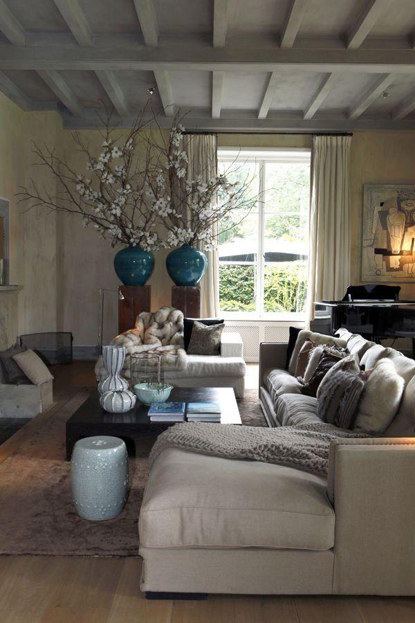 Beautiful sofa...