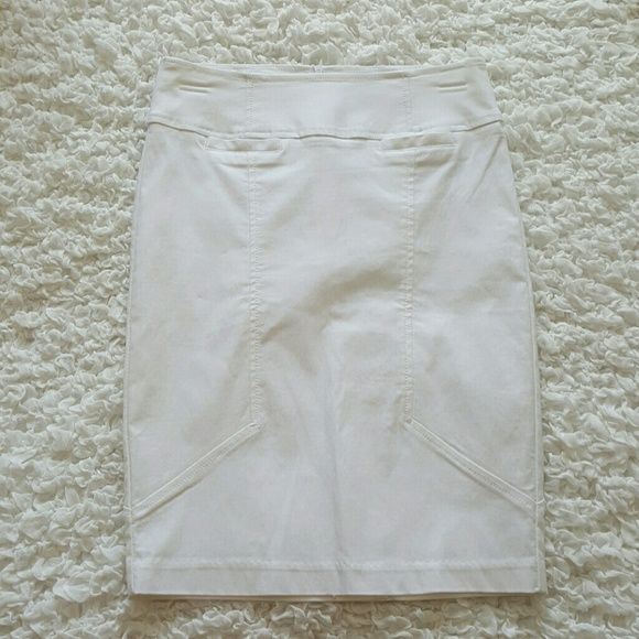 "NEW White Pencil Skirt White Pencil Skirt Hidden Zipper in the back ""New"" Papaya Skirts Pencil"