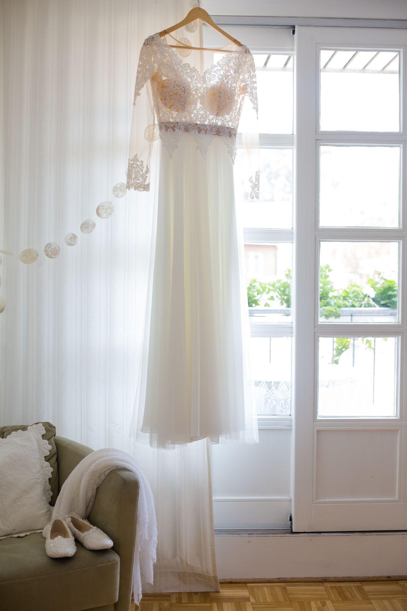 Brautkleid aus Spitze mit Spitzenoberteil fürs Standesamt ...