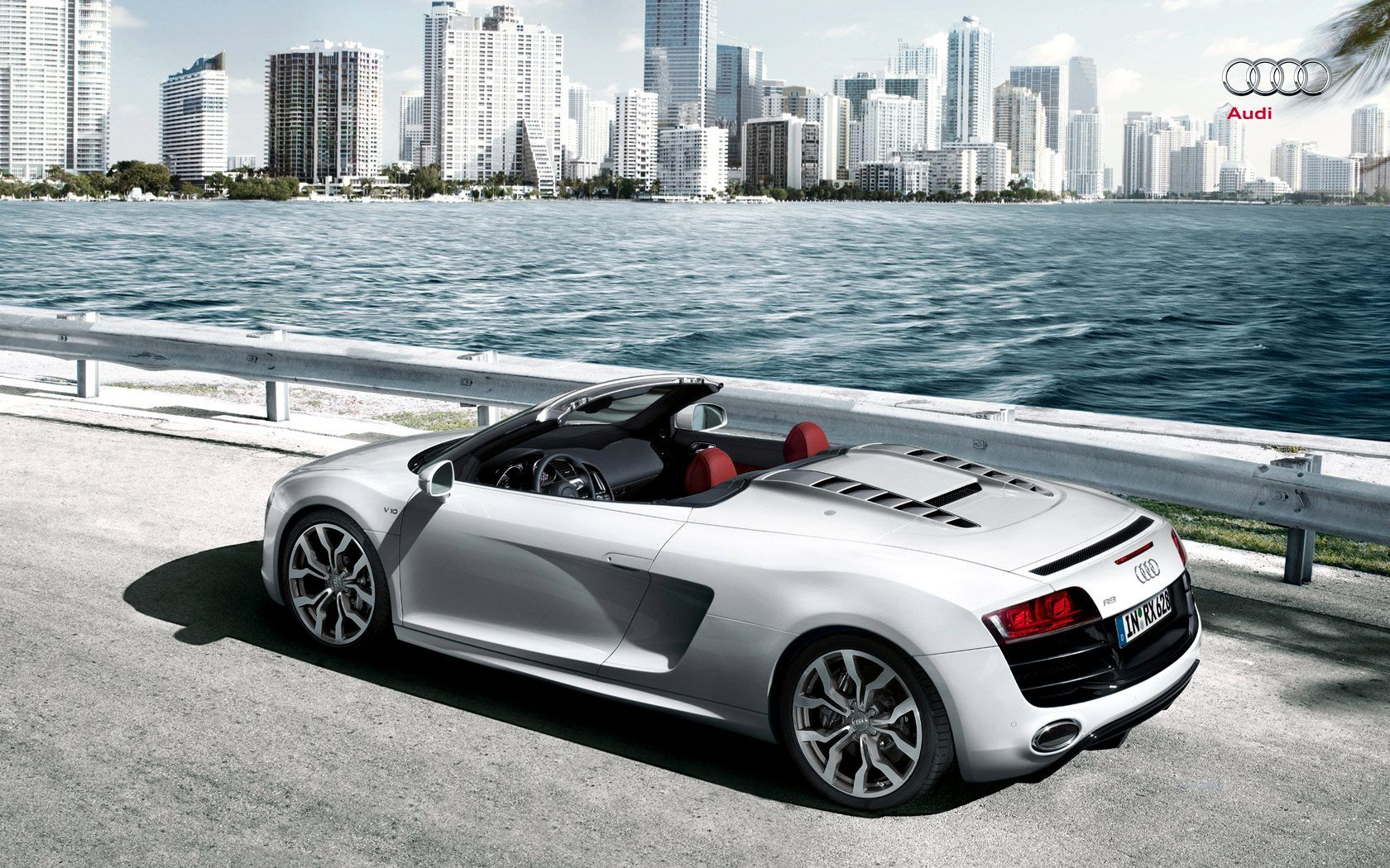R8 Spyder 5 2 Fsi Quattro The R8 V10 Spyder The Photos Showed A Clearly Visible Soft Top Roof And The Unique Audi R8 Spyder Audi R8 Audi R8 Convertible