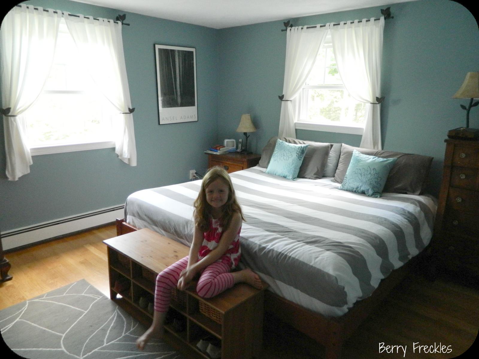 Bm Jamestown Blue Girls Room Pinterest Bedroom Wall