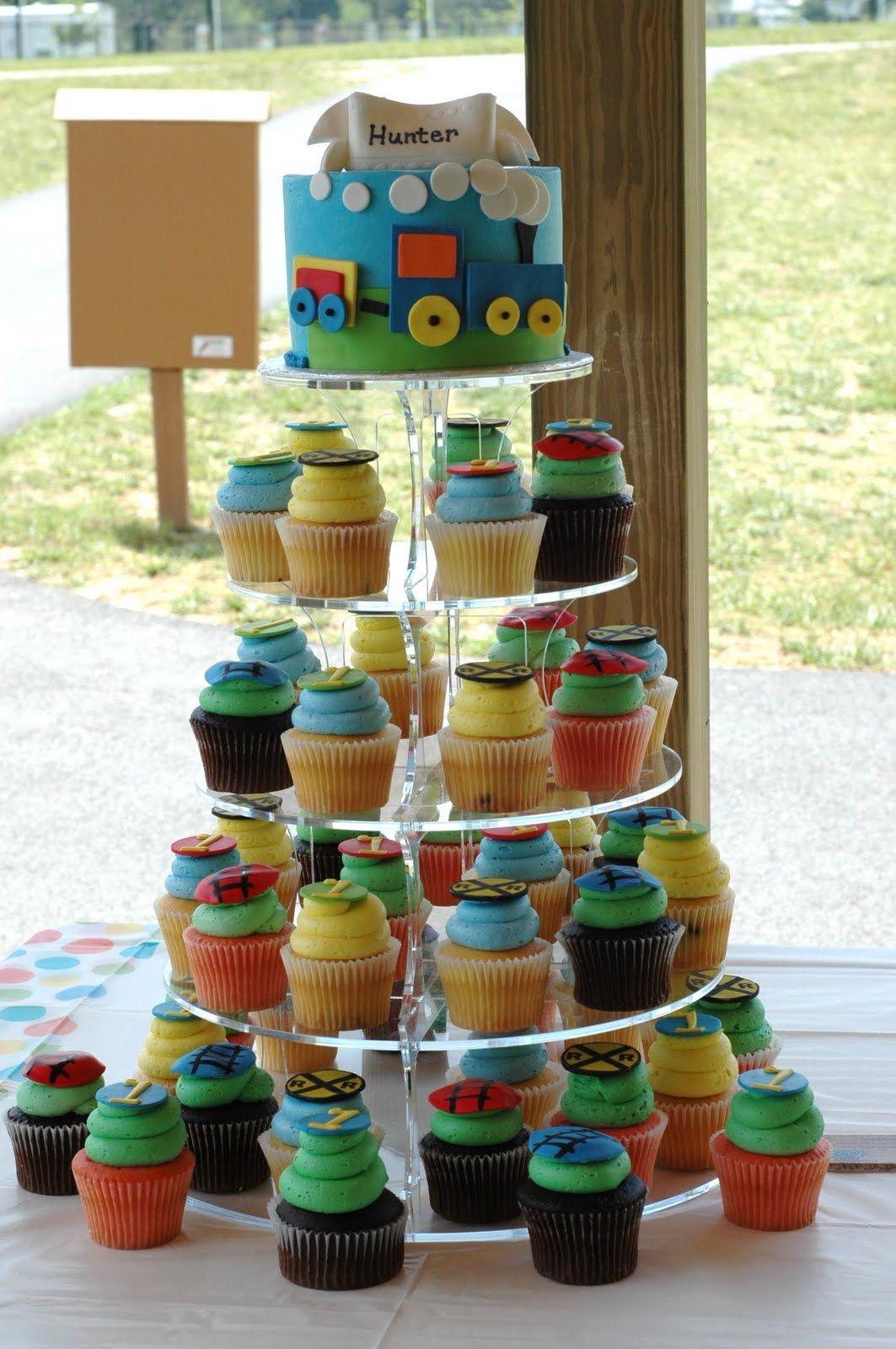 Train Cake Amp Cupcakes