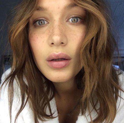 Bella Hadid hair color