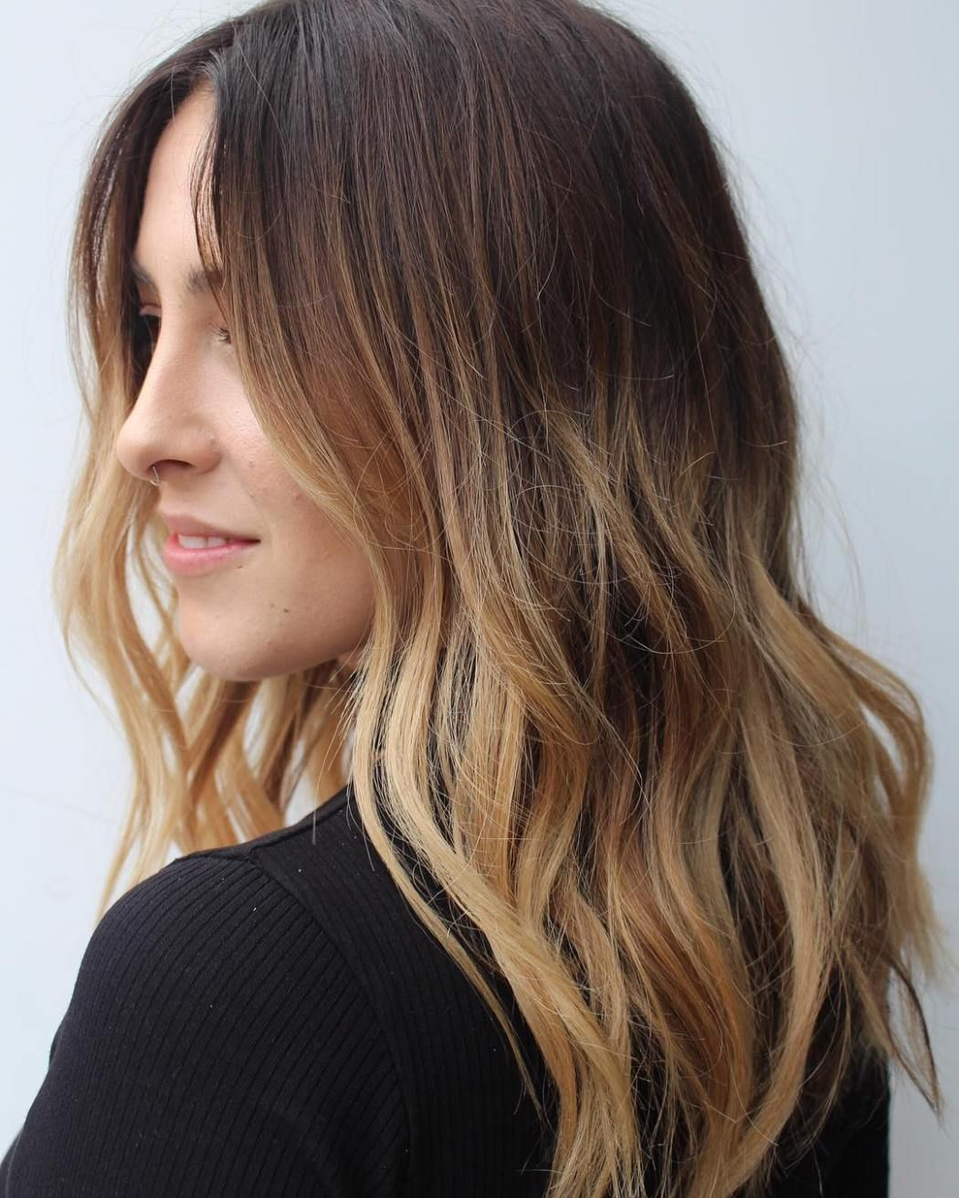 How to get your hair back to its natural color after