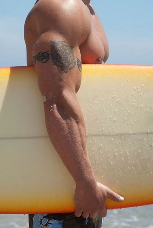 If all surfers looked like this, there would be a lot more women surfers....