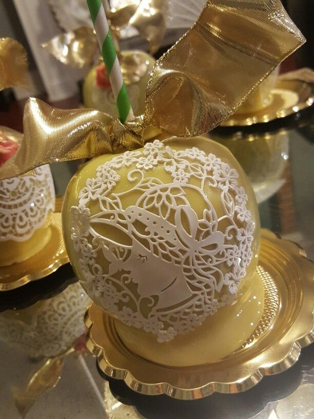 Candy apples,  edible sugar lace @one_skinny_baker