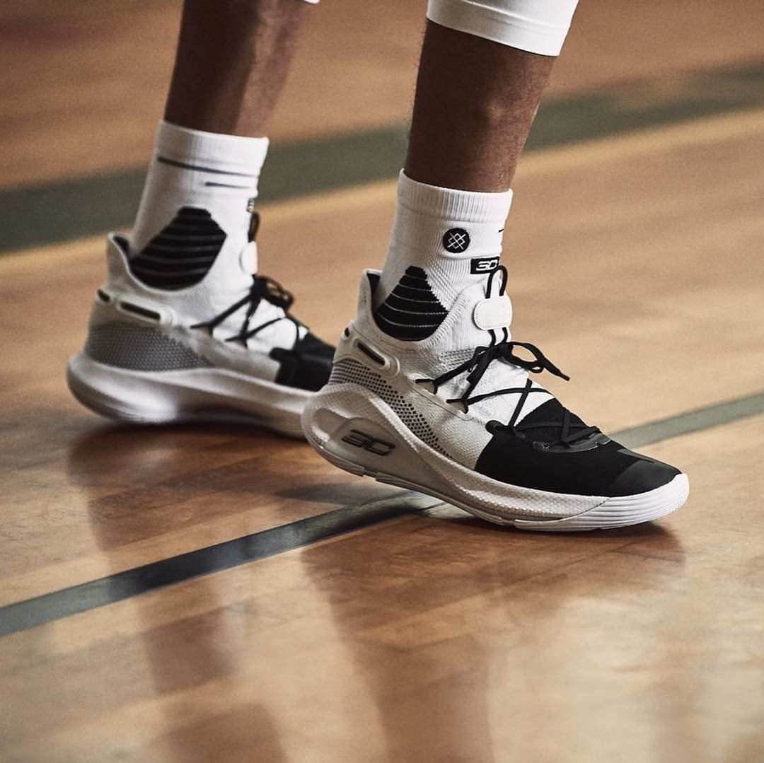 0fad6f16d5e3 Egyedi kosárlabda cipők az Under Armourtól, | Férfi sportcipők ekkor ...