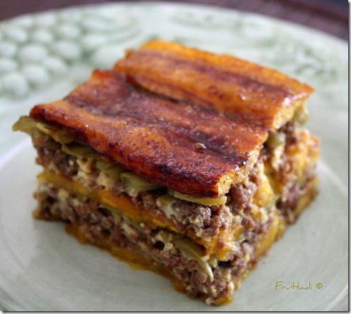 Piñon de plátano maduro o Lasagna Caribeña (layers of ripe plantains and seasoned ground beef) So good!