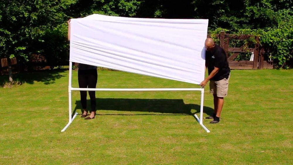 Diy Backyard Movie Theatre Screen Crafts For The Home