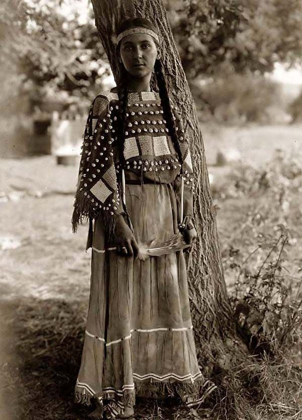 Sioux Indian Maiden. It was made in 1908 by Edward S. Curtis.