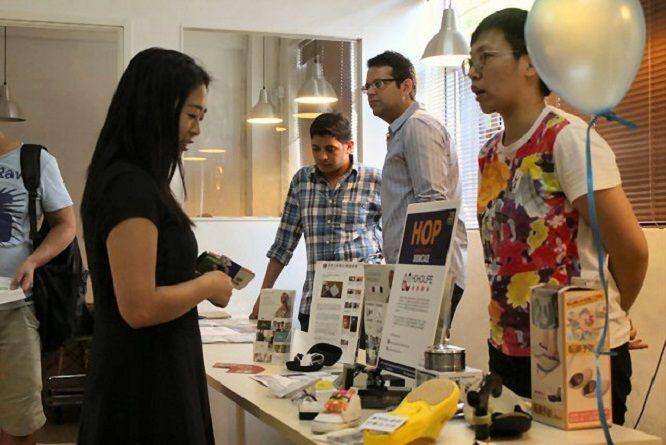 Auch 20 Start-ups, die von der lokalen Workspace Community Retro Creative gesponsort wurden, nahmen als Aussteller an der Messe teil.