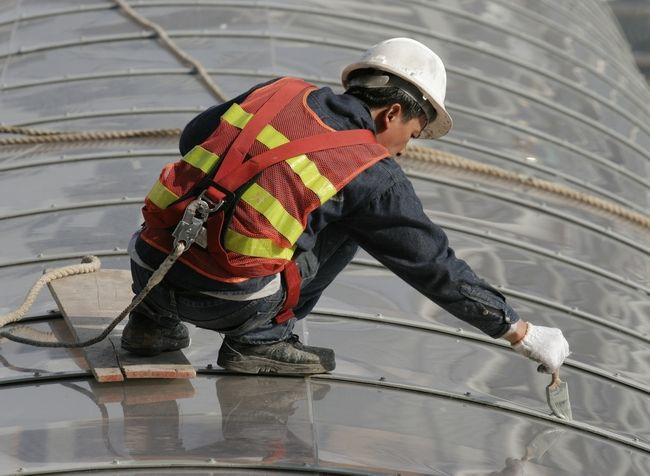 Tips On Improving Safety Harness Compliance Epdm Roofing Roof Leak Repair Roof Coating