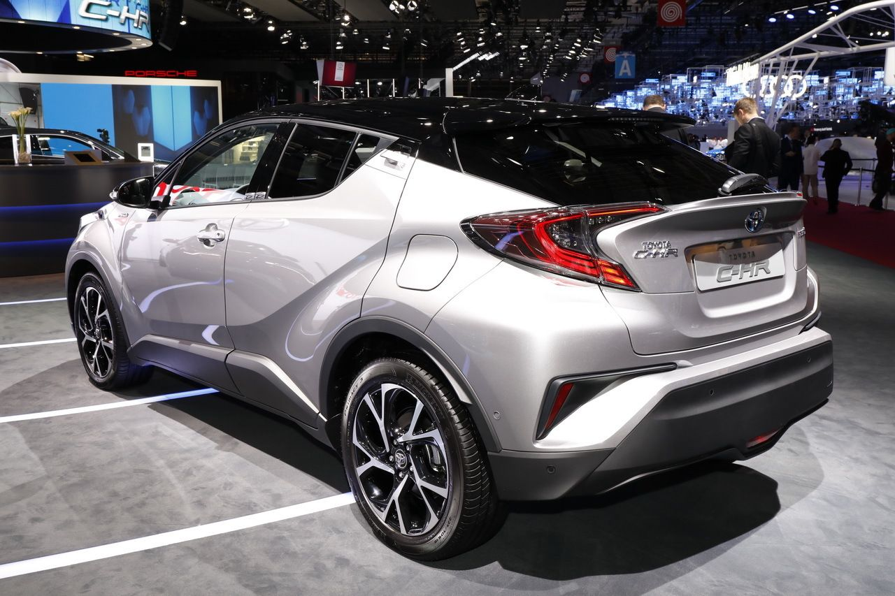 Toyota c hr le crossover hybride en vedette au mondial