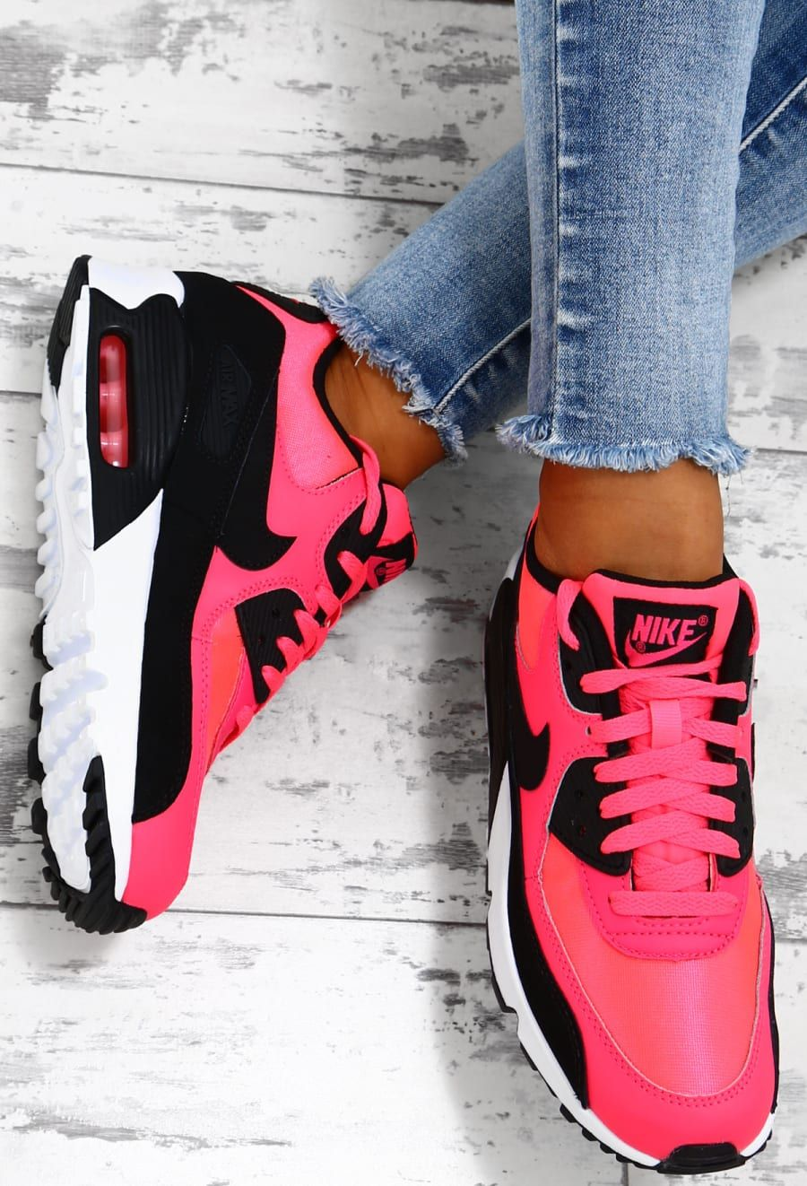 separation shoes 601d7 d1261 Nike Air Max 90 Pink and Black Trainers