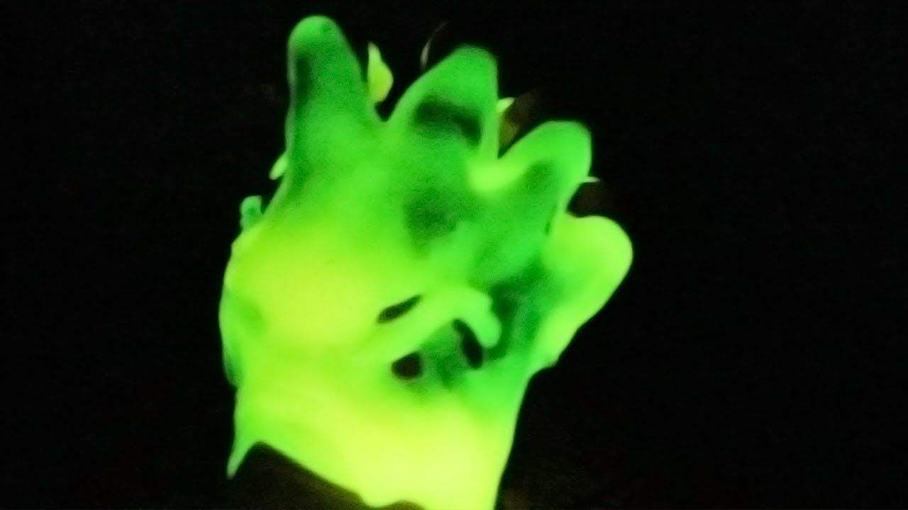 Diy glow in the dark slime dried fluffy hand how to make slime diy glow in the dark slime dried fluffy hand how to make slime ccuart Image collections