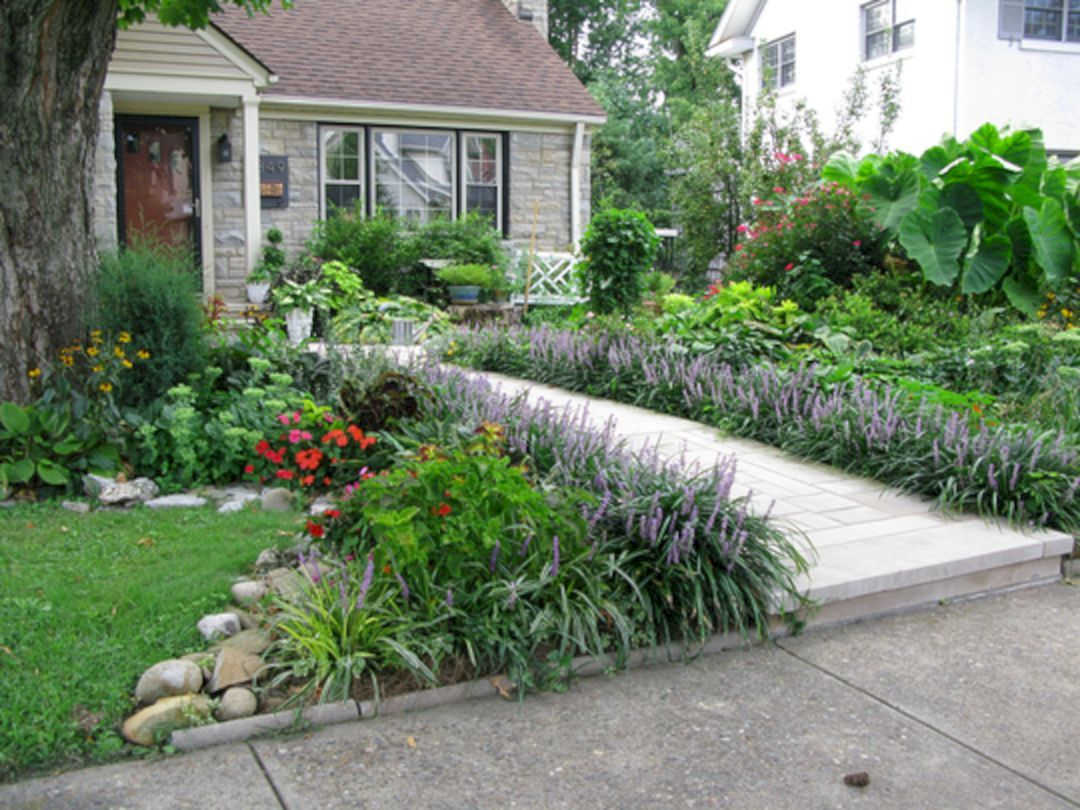 Front yard driveway landscaping ideas   Beautiful Long Driveway Landscaping Design Ideas  Landscaping