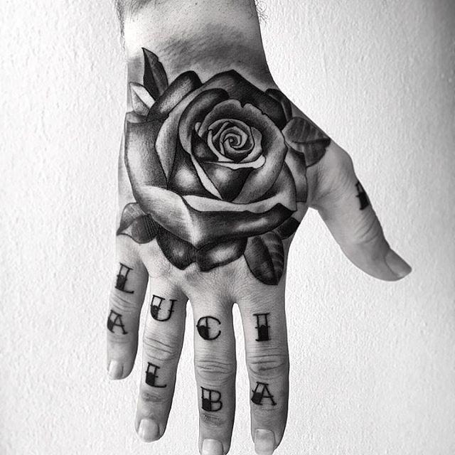 Tatuaje Mano Rosa Rouse Hand Tattoo Tatuaggio A Mano Rosa