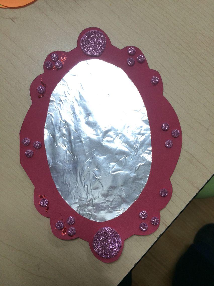 Tarjeta del día delas madres en forma de espejo. Se utilizó aluminio para simular el espejo