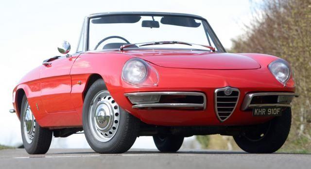 Alfa Romeo Duetto festeggia 50 anni